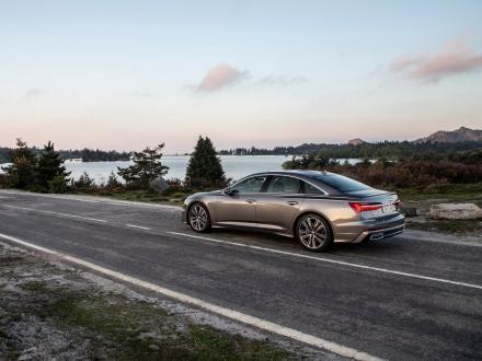 Nouveau ! Tapis automobile pour Audi A6 2020 →
