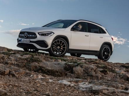 Nouveau! Tapis de voiture pour la Mercedes GLA (H247) 2020 ->